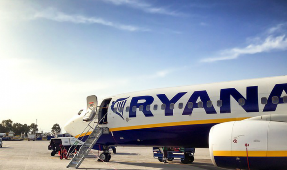 A Look at the Pros and Cons of Low Cost Flights